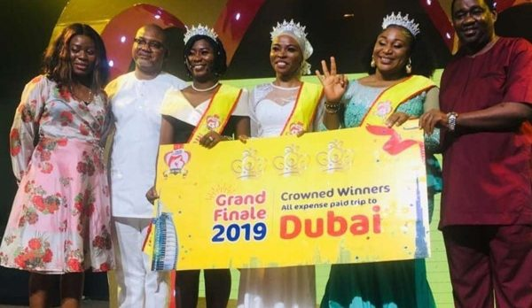 3-crown-mother-of-the-year-2019-1